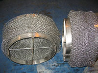 Small-Rolled-Wire-Mesh-Pad-with-Heavy-Duty-Top-and-Bottom-Banded-Grids